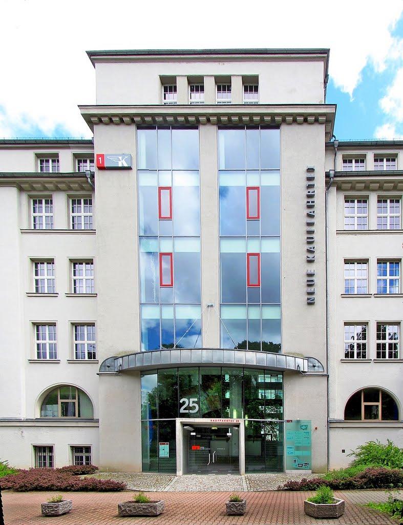 Berufsfachschule für Altenpflege Chemnitz Haupteingang