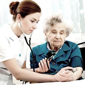 Generalistische Pflegeausbildung - Pflegefachfrau in der Altenplfege