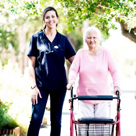 Ausbildung Altenpfleger Altenpflegerin - Anforderungen in der Altenpflege