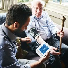 Altenpfleger, Altenpflegerin Ausbildung - wichtige Fragen und Antworten zur Altenpflege